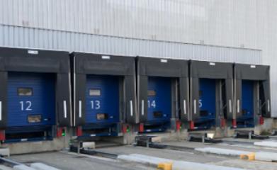 Remplacement de niveleurs, portes de quais motorisées et barrières de quai